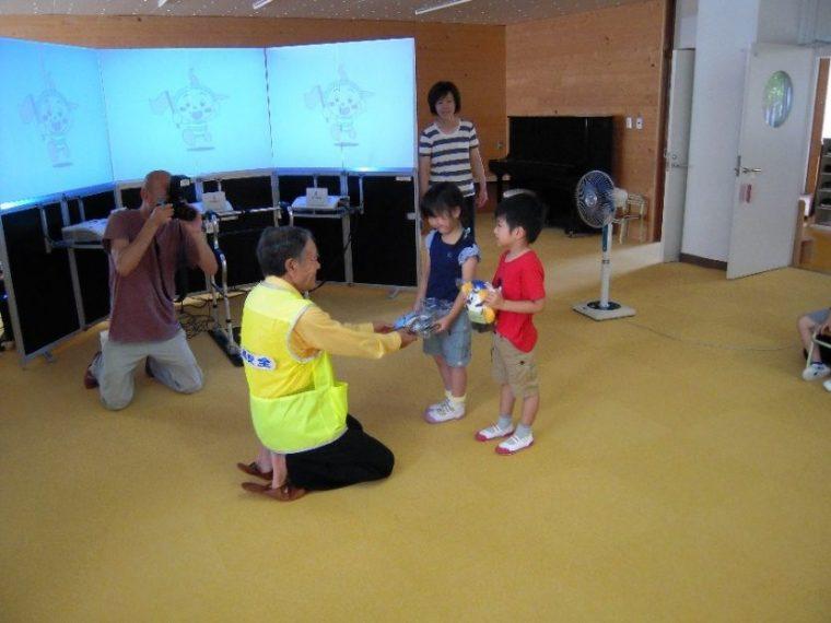 チャイルドシート着用推進モデル幼稚園指定式の実施