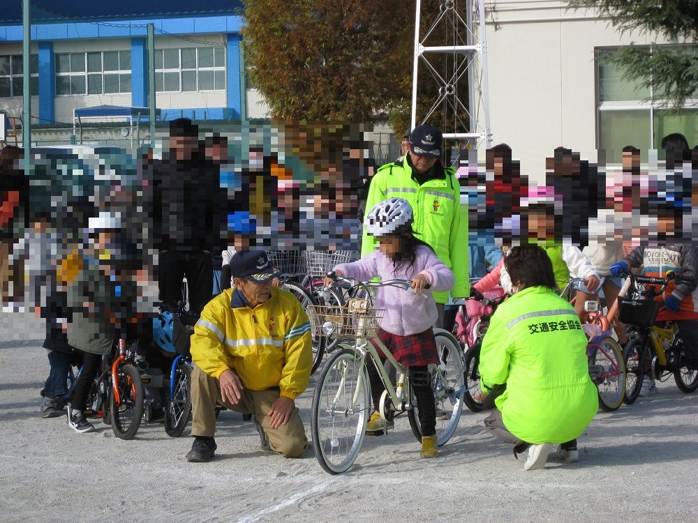 小学生・高齢者の自転車講習会